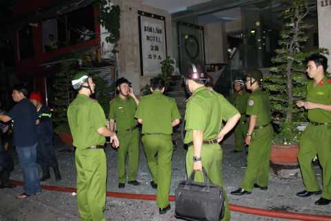 Lực lượng chức năng phối hợp điều tra vụ cháy