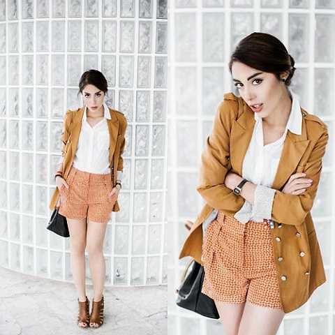 Sắc nâu cho bạn nhiều phong cách thời trang từ áo blazer công sở thanh lịchcho đến áo khoác da lộn tua rua bụi bặm.