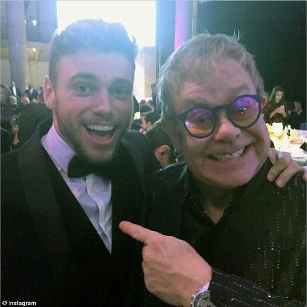 Gus và Elton John