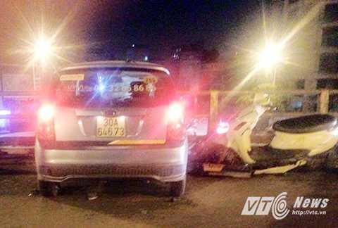 Hiện trường vụ tai nạn kinh hoàng trên cầu vượt Thái Hà - Chùa Bộc