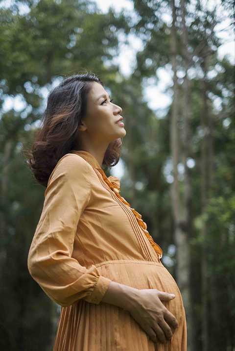 Trang Trần cho biết cô đã sửa chữa lại phòng ốc và chuẩn bị cho việc chăm sóc sức khỏe sau khi sinh con.