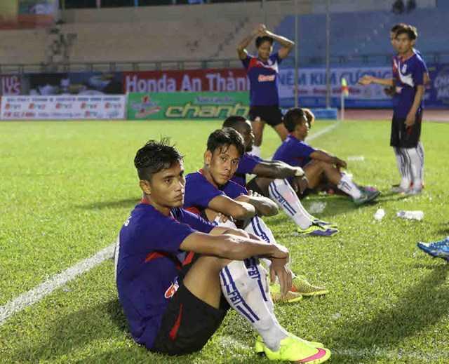 Đội bóng Myanmar bỏ cuộc