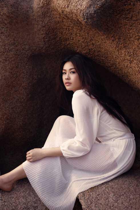 Khánh Tiên trong MV mới