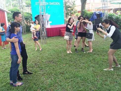 Sự có mặt của Kim Lý thu hút đông đảo sự chú ý của khán giả.
