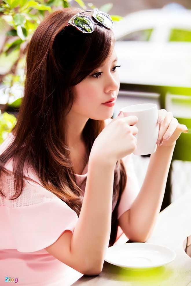 Trong buổi chụp ảnh mới đây, Midu diện hai trang phục gam pastel, tông màu phù hợp với hình ảnh nhẹ nhàng, nữ tính vốn có.