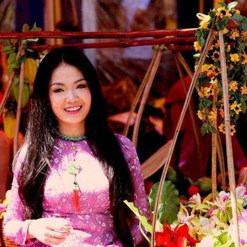 Trang sẽ cố gắng hoàn thành chương trình học và trở về Việt Nam theo đuổi công việc người mẫu. Bên cạnh đó, cô sẽ cùng dì họ của mình quản lý, phát triển trường Cao đẳng du lịch Sài Gòn.