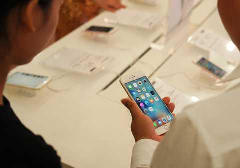 Ngồn cung iPhone năm nay dồi dào hơn nhiều so với các năm trước. Ảnh: Thành Duy.