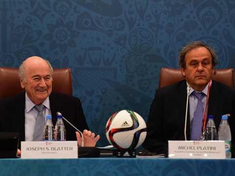 Sepp Blatter không đắc cử nhưng ông cũng khiến Michel Platini phiền lòng