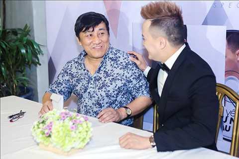 Một trong những khách mời đặc biệt của Cao Thái Sơn là ông bầu Tuấn Thaso (bầu sô cũ của anh), trong album lần này thì