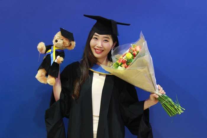 Nữ du học sinh luôn có thành tích học tập khiến nhiều người nể phục: Cô nhận học bổng