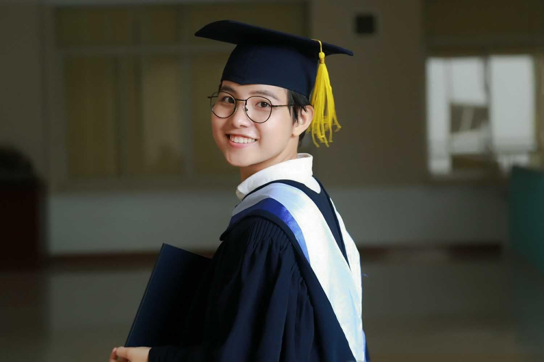 Vũ Cát Tường rạng rỡ trong ngày tốt nghiệp