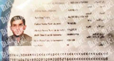 Hộ chiếu của tên Ahmed Almuhamed được tìm thấy ở hiện trường