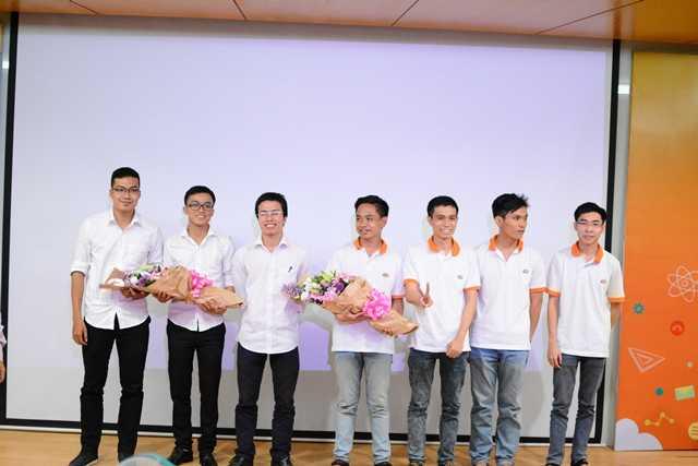 Đội thi Feed & Quit - DH FPT và đội thi 3TM - ĐH Công nghệ thông tin, Đại học Quốc gia TP.HCM.