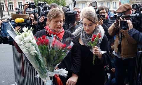 Thủ đô Paris của Pháp đã trải qua một đêm kinh hoàng sau hàng loạt vụ khủng bố đẫm máu