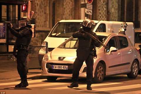 Pháp huy động quân đội, cảnh sát bao vây khủng bố