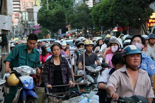 Nhiều người mệt mỏi do kẹt xe