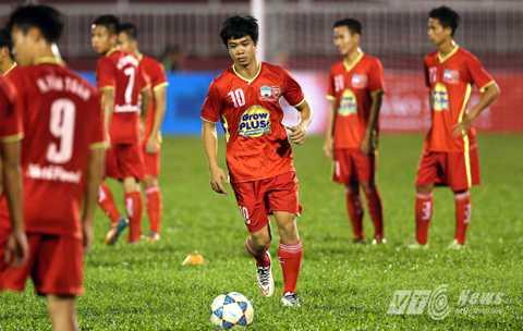 Công Phượng quyết bảo vệ thành công chức vô địch cùng U21 HAGL trước khi lên đường sang Nhật. (Ảnh: Quang Minh)