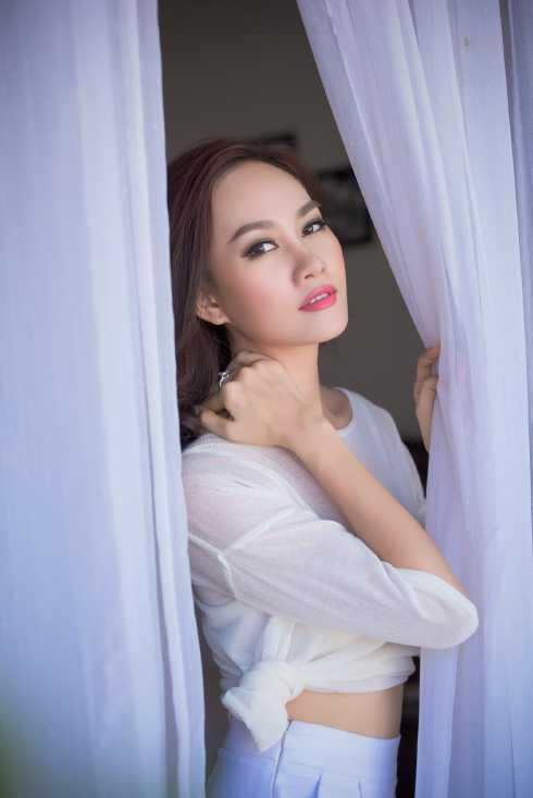 Người đẹp vẫn đi diễn thời trang, tập trung cho những công việc mà mình yêu thích.