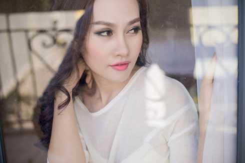 Không ngại ngần khoe vẻ sexy, á hậu Kim Duyên muốn khán giả thấy được sự biến đổi trong phong cách của mình
