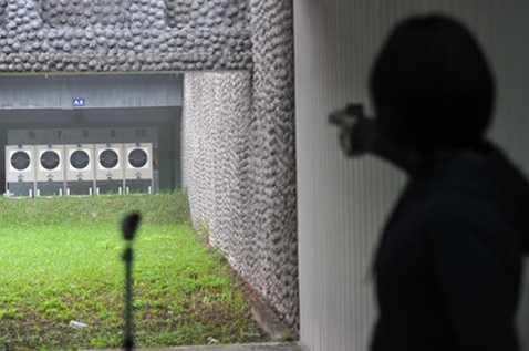 Phạm Thị Hà đành phải chờ Liên đoàn bắn súng thế giới xem xét lại cơ hội