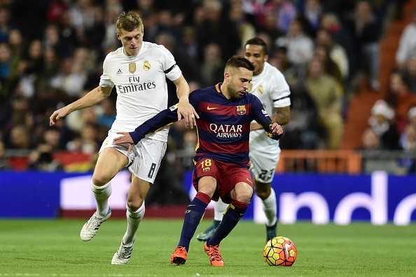 Toni Kroos rõ ràng là lựa chọn sai lầm của Benitez trong hiệp 1