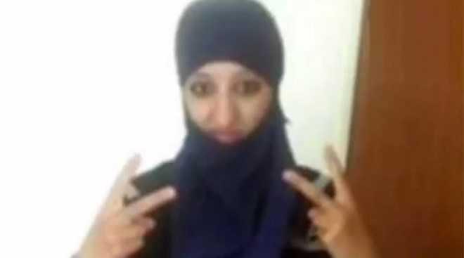 Nữ nghi phạm khủng bố Hasna Aitboulahcen