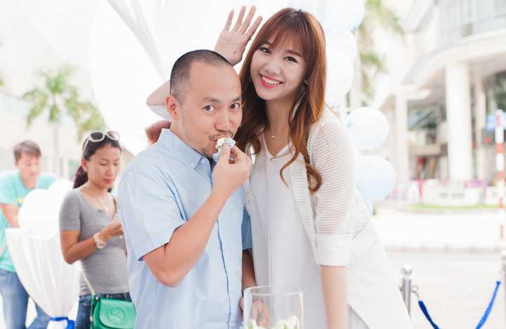Yêu nhau lâu nhưng cả hai cũng có không ít lần giận dỗi. Nữ diễn viên người Hàn Quốc thổ lộ, lần giận nhau lâu nhất của cô và bạn trai kéo dài tới hơn một năm. Thậm chí, cả hai suýt chia tay nếu như Tiến Đạt không chủ động làm hòa.