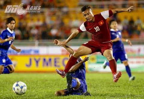 Hồ Tuấn Tài nâng tỷ số lên 2-0 cho U21 Việt Nam (Ảnh: Quang Minh)