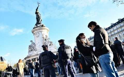 Cảnh sát Pháp bảo đảm an ninh tại thủ đô Paris