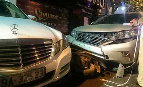 Vụ tai nạn liên hoàn tối 24/11 tại Hà Nội do một nhân viên bảo vệ bãi giữ xe gây ra