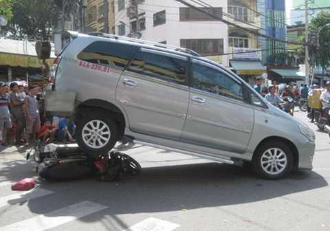 Giao xe cho nhân viên bảo vệ, rửa xe có thể gây tai hại khôn lường