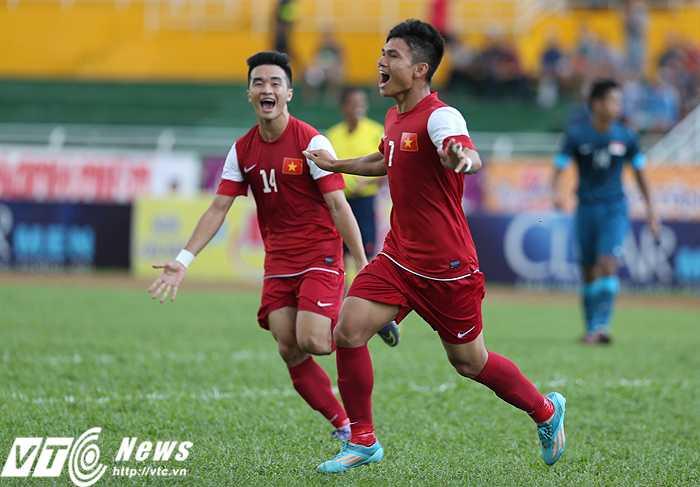 Phạm Xuân Mạnh là tác giả 2 bàn thắng vào lưới U21 Singapore (Ảnh: Quang Minh)