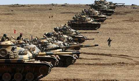 Xe tăng Thổ Nhĩ Kỳ ở biên giới Syria tháng 7/2014
