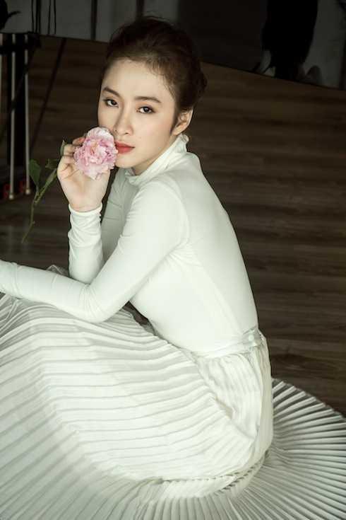 Gương mặt đường nét, thân hình quyến rũ đã khiến Angela Phương Trinh luôn lôi cuốn mỗi lần xuất hiện.