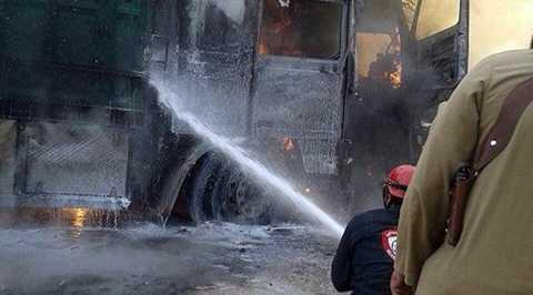 Đoàn xe cứu trợ Thổ Nhĩ Kỳ bốc cháy dữ dội