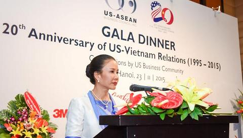 Bà Gift Samabhandhu, TGĐ Mead Johnson Nutrition Việt Nam, phát biểu tại sự kiện