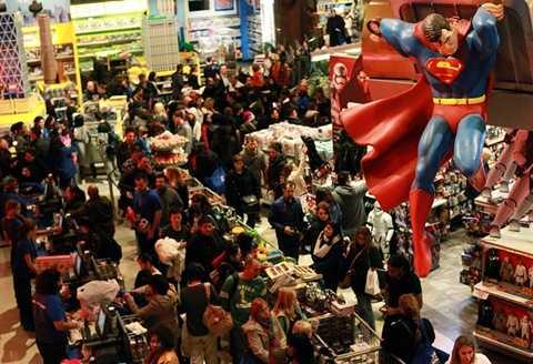 Không khí trong một cửa hàng đồ chơi. Đây được coi là dịp hiếm có trong năm để mua các mặt hàng đồ chơi làm quà tặng cho Giáng sinh và năm mới