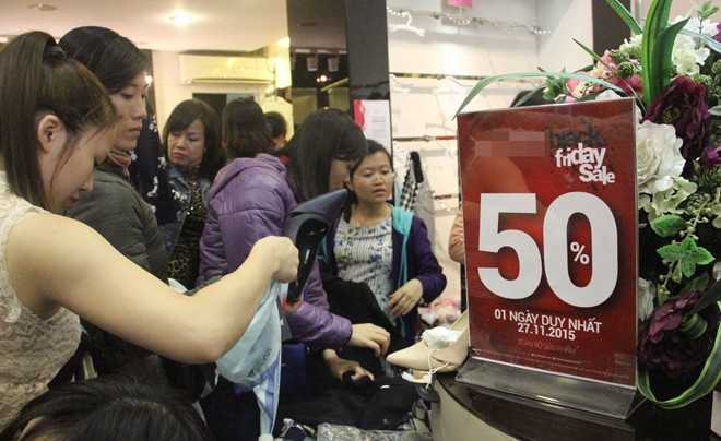 Chương trình giảm giá 50% cho toàn bộ sản phẩm trong cửa hàng.