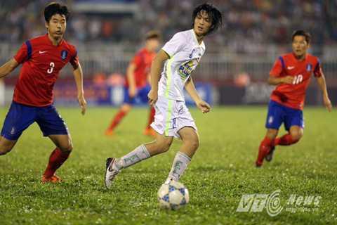 Tuấn Anh có trận đấu cực hay với U19 Hàn Quốc trước khi phải rời sân vì bị đau. (Ảnh: Quang Minh)