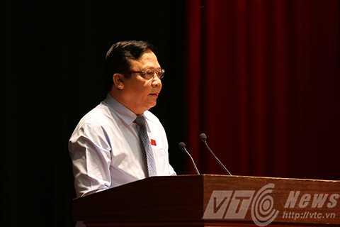 Thượng tướng Huỳnh Ngọc Sơn, Phó Chủ tịch Quốc hội trả lời ý kiến cử tri tại buổi tiếp xúc
