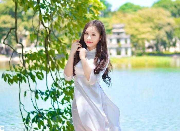 Nam thúy hiện là nữ sinh nổi bật của trường Sân Khấu điện ảnh và Cao đẳng Văn hóa - Nghệ thuật Hà Nội.
