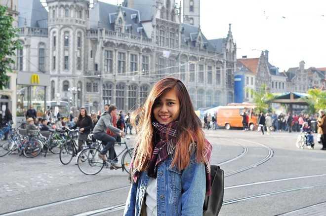 Nguyễn Đào Thúy Vy - nữ du học sinh Việt giành hoa khôi cuộc thi ảnh duyên dáng NayNo tại Pháp.