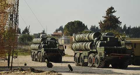 Hệ thống tên lửa phòng không hiện đại S-400 của Nga