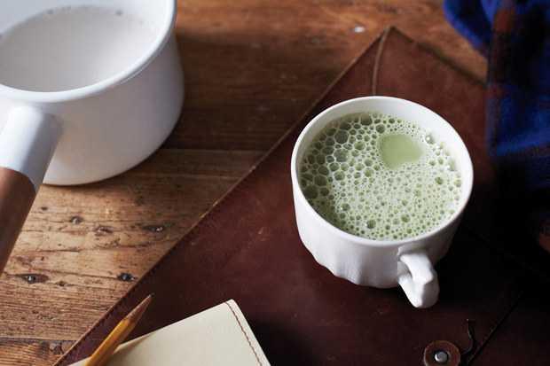 Cứ 2 tiếng bạn lại uống một tách trà sữa.