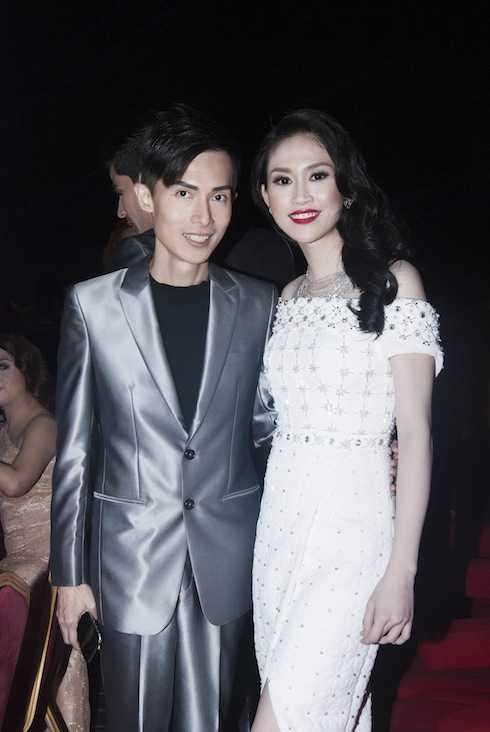 Hoa hậu Thu Vũ và Alan Sim, trưởng ban tổ chức. (Photo: Khoa Anh Trần)