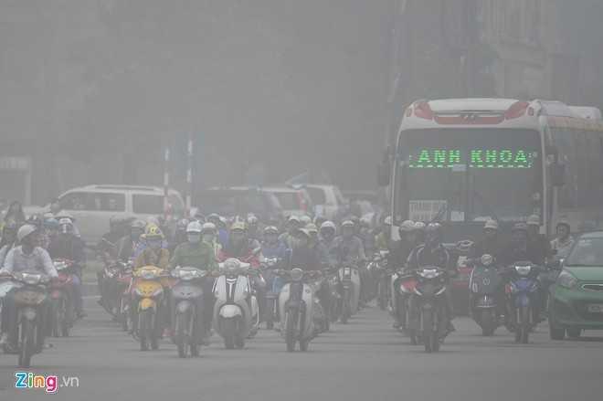 Khu vực đường Phạm Hùng lúc 8h.