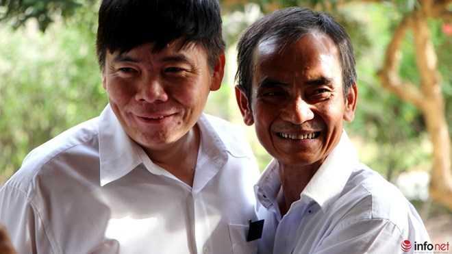 Ông Nén và luật sư Trần Vũ Hải.