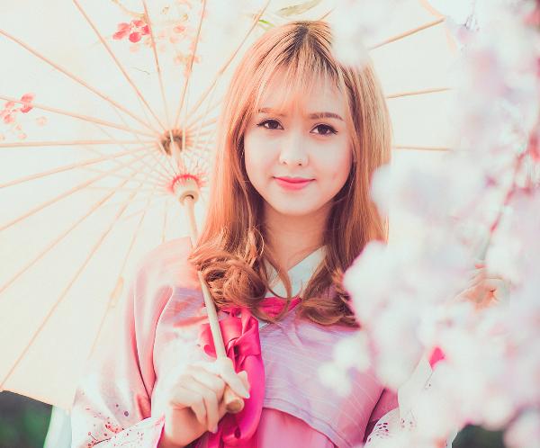 Cô bạn Huyền Giang đã khiến nhiều người trầm trồ khen ngợi khi diện áo Hanbok - áo truyền thống của người Hàn để thực hiện bộ ảnh mới.