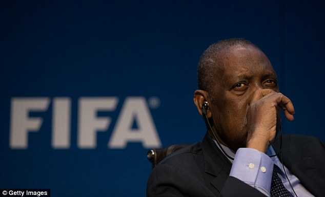 Ý tưởng 40 đội đá World Cup tạm thời bị gạt bỏ