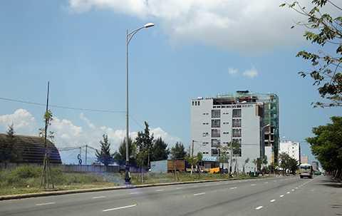 Qua kiểm tra, cơ quan chức năng Đà Nẵng đã phát hiện có 71 người Việt Nam đứng tên mua 137 lô đất ở các khu vực ven biển Đà Nẵng có dấu hiệu người Trung Quốc đứng sau